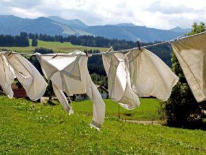 ネクタイを自宅で洗濯する手順⓹干す